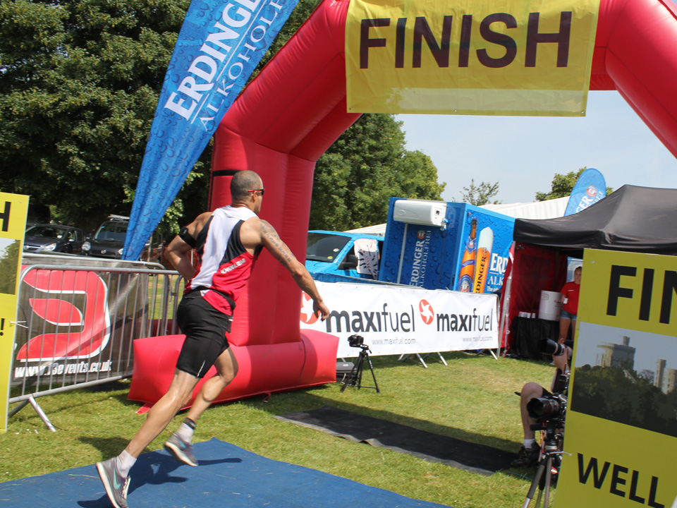 Finish-Line-Triathlon